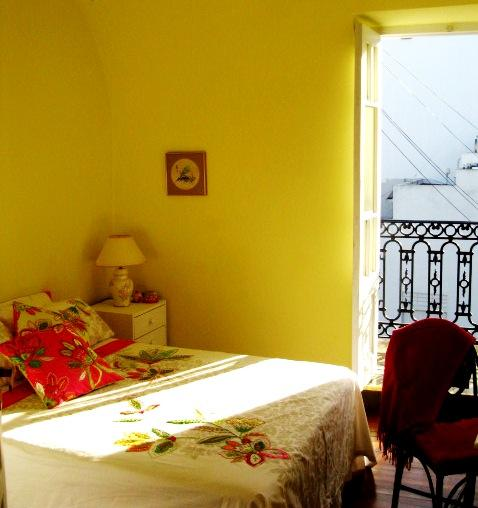 Bedroom 1 - winter sunshine - Central, charming, quiet 2brm apt near subtes D&B - Buenos Aires - rentals