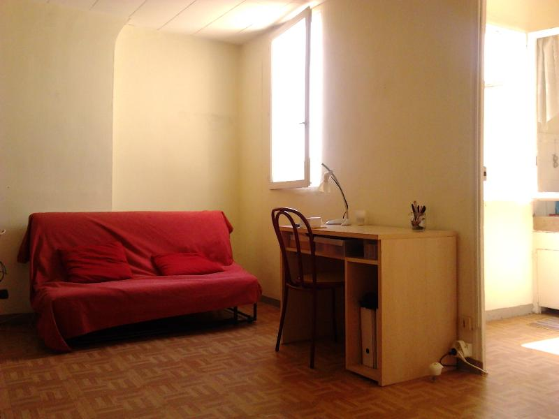 Cheap, Amazing Marseille Studio with View of Notre Dame - Image 1 - Marseille - rentals