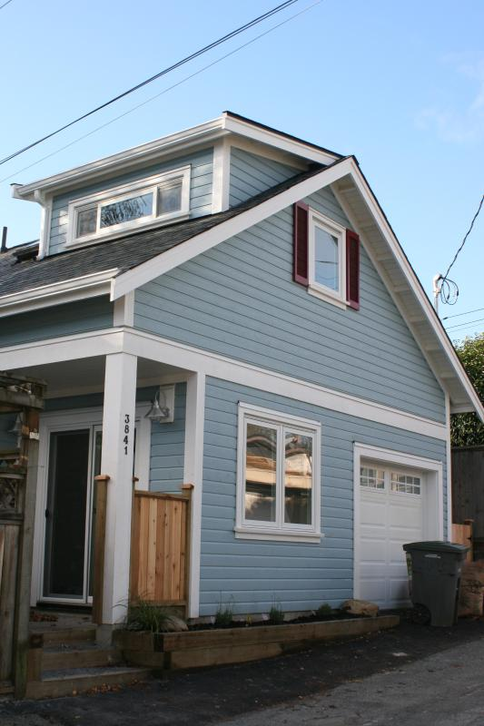 Front view - Brand-new Charming Laneway House - Vancouver - rentals