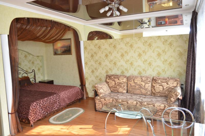 Kherson one-room appartment in the center - Image 1 - Kherson - rentals