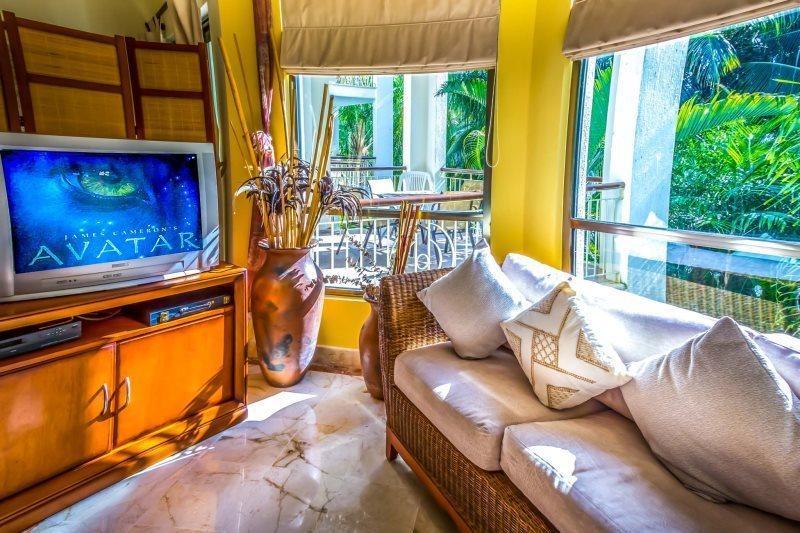 Beautiful 2 or 3 bedroom Private Condo with Garden Views - Image 1 - Playa del Carmen - rentals