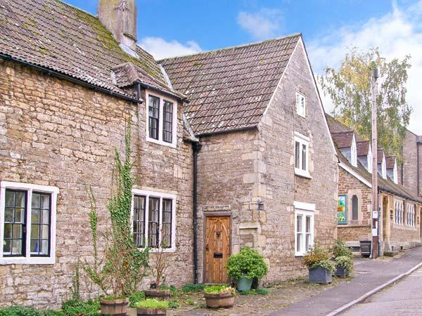MONKS COTTAGE, woodburner, dog-friendly, WiFi, beautiful character features, Grade II listed cottage in Rode, Ref. 26191 - Image 1 - Rode - rentals
