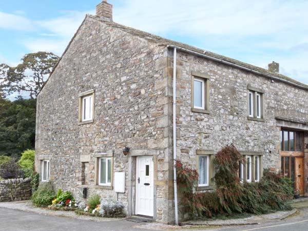 1 MAYPOLE BARN, stone-built conversion, pet-friendly, enclosed patio, country views, in Kettlewell, Ref. 27213 - Image 1 - Kettlewell - rentals