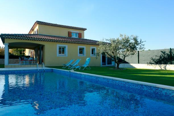 garden and swimming pool with alarm - New home for 8, with swimming pool - Aix-en-Provence - rentals