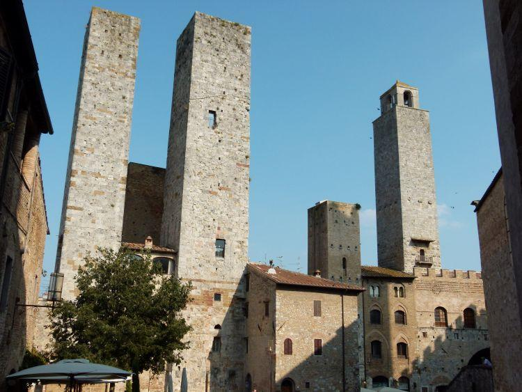 View from the windows of the apartment: Piazza delle Erbe - la Torretta Apartment - San Gimignano - rentals