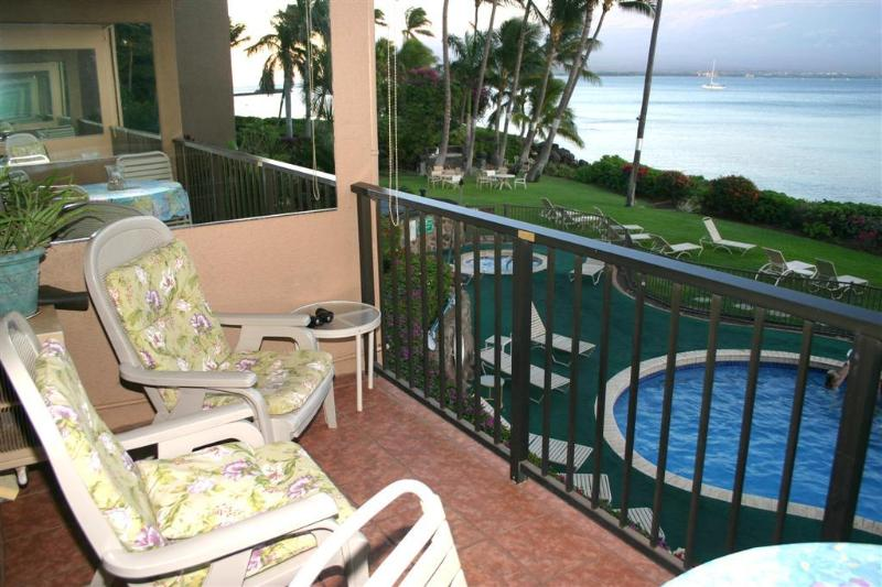 Your private lanai with comfortable seating - Maui's Best Condo! - Maalaea - rentals