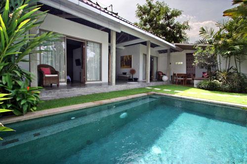 2 bedrooms Charming villa SeminyaK - Image 1 - Seminyak - rentals