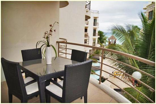 Elegant 3-Bdrm Beachfront Condo (CM201) - Image 1 - Playa del Carmen - rentals