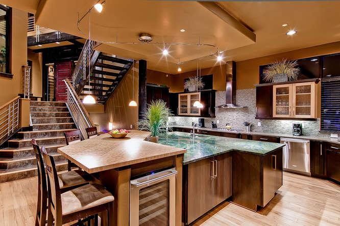 The Baker House - Ski access, Hot Tub, Pool Table - Image 1 - Copper Mountain - rentals