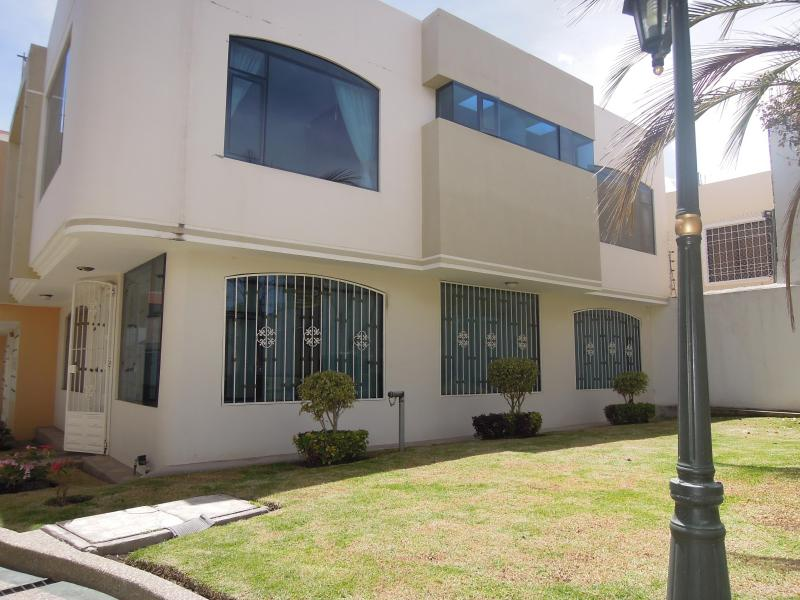 Side of The House - 3 Bedroom House (in Private Complex) in Ambato - Ambato - rentals