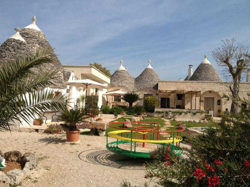 Trullo Rosa, with garden, pool& wifi - Image 1 - Alberobello - rentals