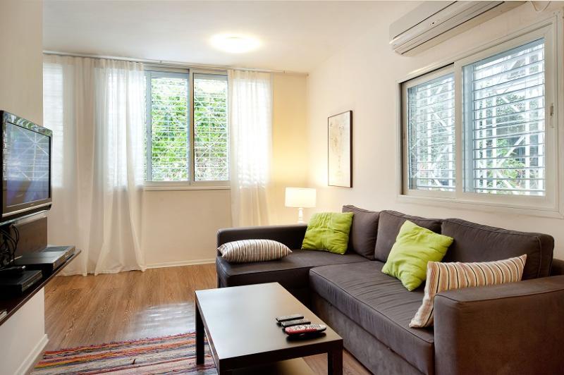 Gordon Beach suite - Image 1 - Tel Aviv - rentals