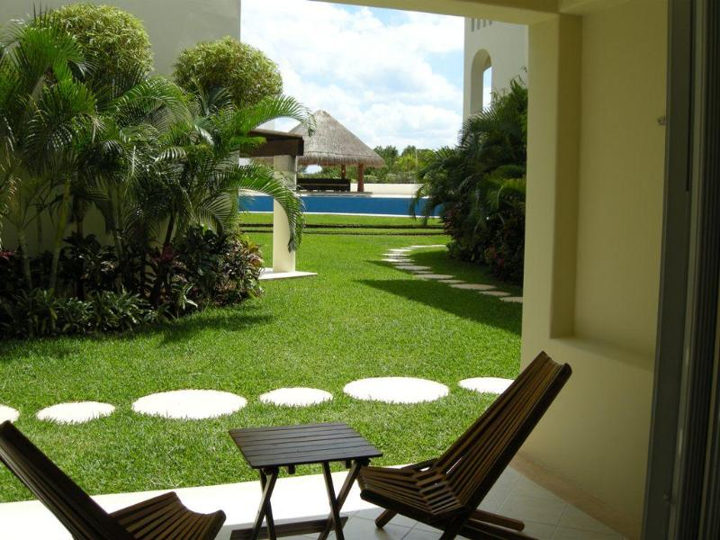 LM Beatiful Condo 2BR, Close to the beach T2 - Image 1 - Playa del Carmen - rentals