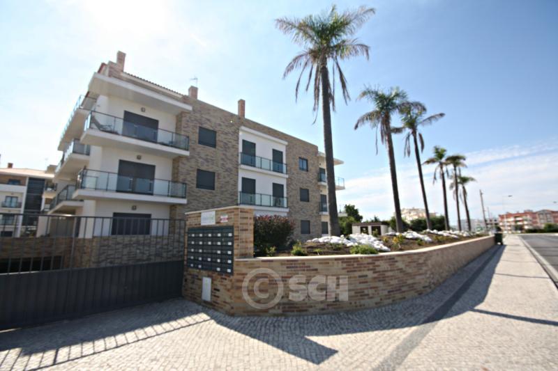 SCH30 - Superior 3 bed penthouse Apartment - Image 1 - Sao Martinho do Porto - rentals