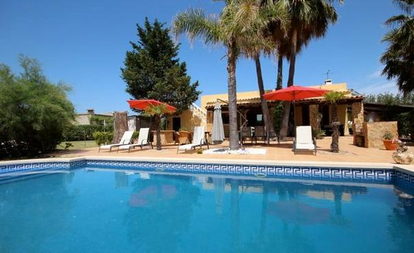 Finca ideal for family holidays  - close to Alcudia, with swimming pool - ES-1050030-Alcudia - Image 1 - Puerto de Alcudia - rentals