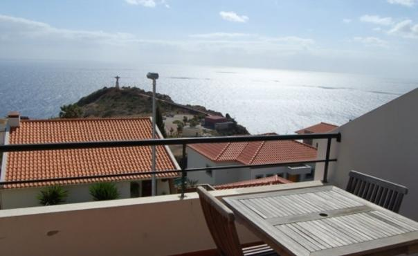 Apartment with sea views in quiet location  in a central location for up to 4 people - PT-1074969-Garajau-CANIÇO - Image 1 - Canico - rentals