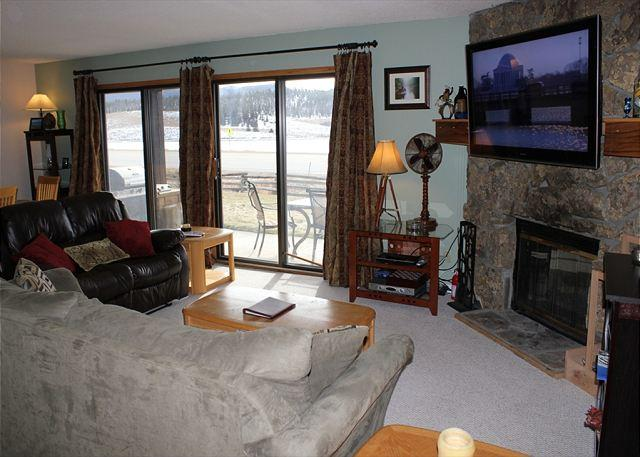DB101A Cozy Condo W/Fireplace, Great Views, Wifi, Clubhouse, Garage - Image 1 - Dillon - rentals