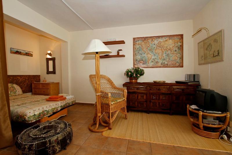 SA MOLA SUITES FAMILIAR - Image 1 - Formentor - rentals