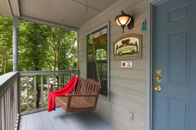 Relax swinging on the porch - Best Location In Pigeon Forge TN  Wifi,Hot Tub,2-Pools,PS3, - Pigeon Forge - rentals