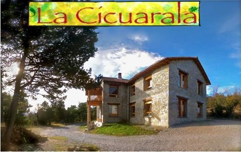 sur face - La Cicuarala - Guaso - rentals