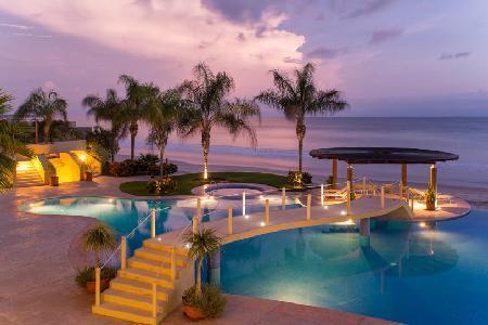 Punta Vista Signature Residence 203 - Oversized Beachfront Condo Unit - Image 1 - Punta del Burro - rentals
