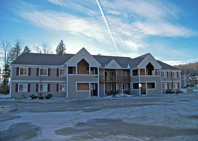 Exterior of Building - Forest Ridge 5-8 - Professionally Managed by Loon Reservation Service - Lincoln - rentals