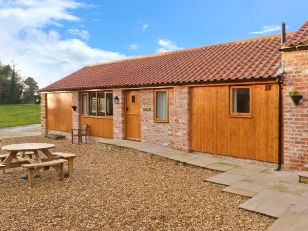 CALF HOUSE, semi-detached ground floor barn conversion, off road parking, WiFi, enclosed communal courtyard, in Thirsk, Ref. 15032 - Image 1 - Thirsk - rentals