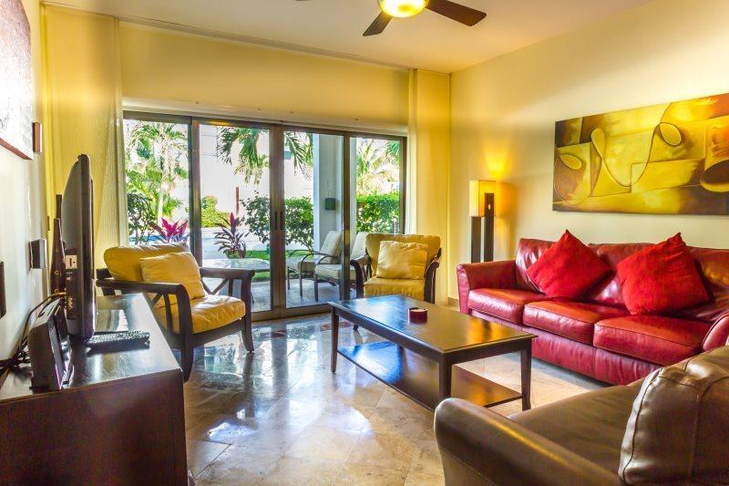 2 or 3 Bedroom Home directly off of the Pool! - Image 1 - Playa del Carmen - rentals