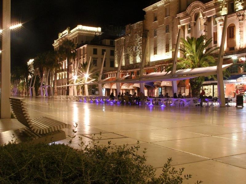 Waterfront at night - Apartment - Joško - Split - rentals