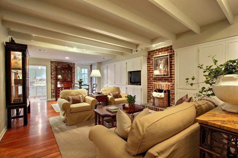 Troup Square Garden Apartment - Image 1 - Savannah - rentals