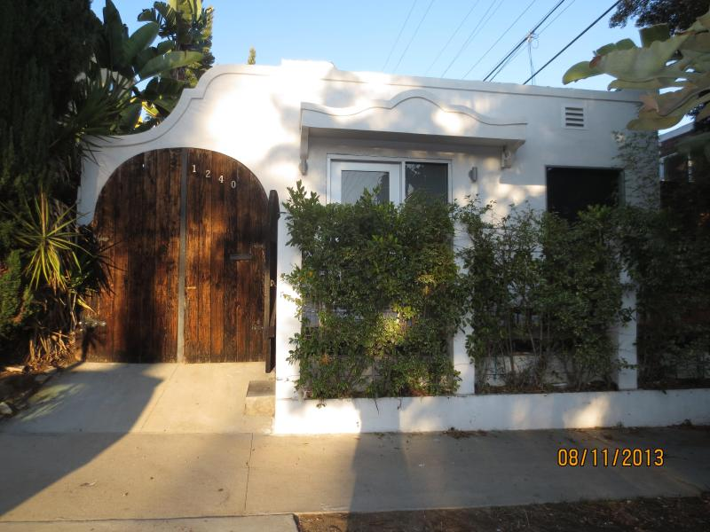 Exterior - Updated Spanish/Modern Bungalow in West Hollywood - West Hollywood - rentals