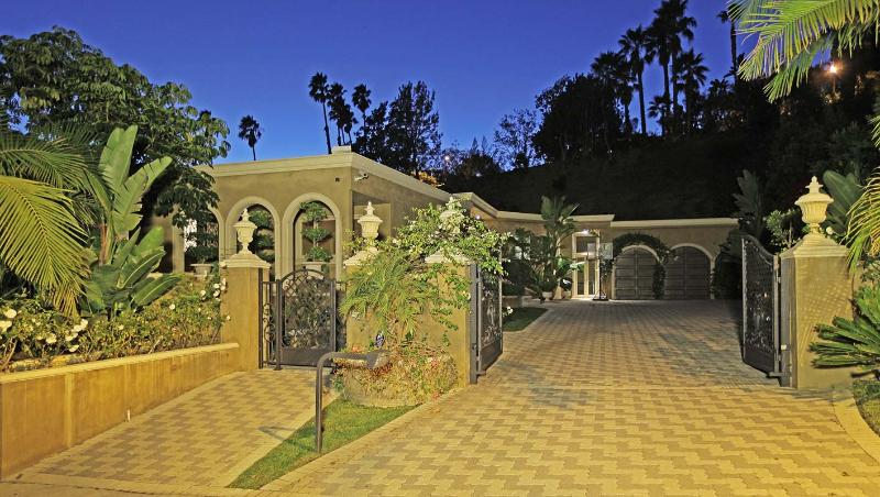 Private Gated Luxury Estate  in Beverly Hills - Image 1 - Beverly Hills - rentals