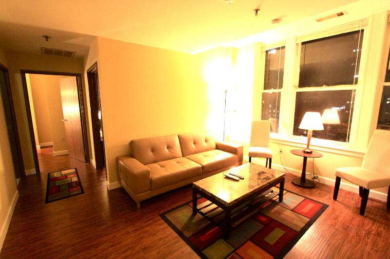 Cozy 2BR Apartment in Downtown near Beale St. - Image 1 - Memphis - rentals