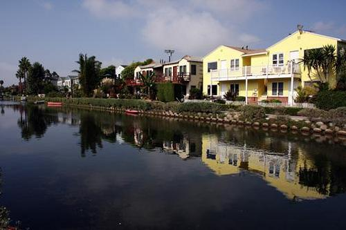 Front of property - Beach Apartment on the Venice Canals, 2 bedrooms, private yard. - Los Angeles - rentals