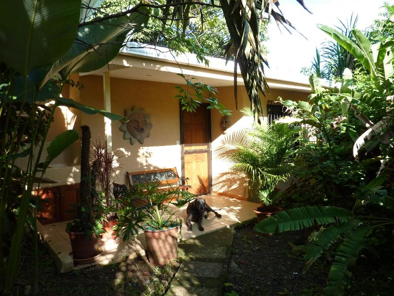 "Pete's La Niña "" Comfy Manuel Antonio Cottage"" - Comfy Manuel Antonio Cottage - Manuel Antonio National Park - rentals"