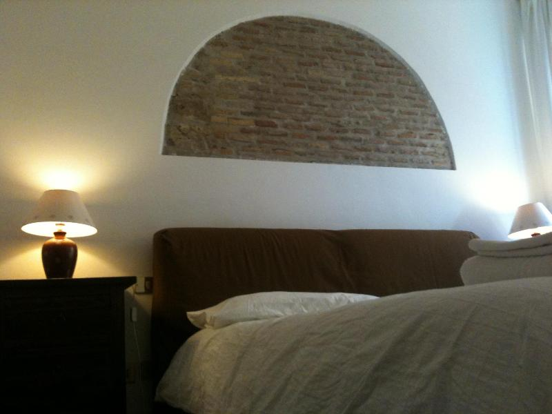 Center of Rome - Elegant apartment  in the heart of Trastevere completely renovated - Image 1 - Rome - rentals