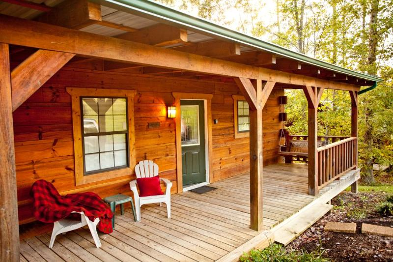 "Cowboy Lodge - Tellico Cabins "" Cowboy""  Log Cabin with Hot Tub - Tellico Plains - rentals"
