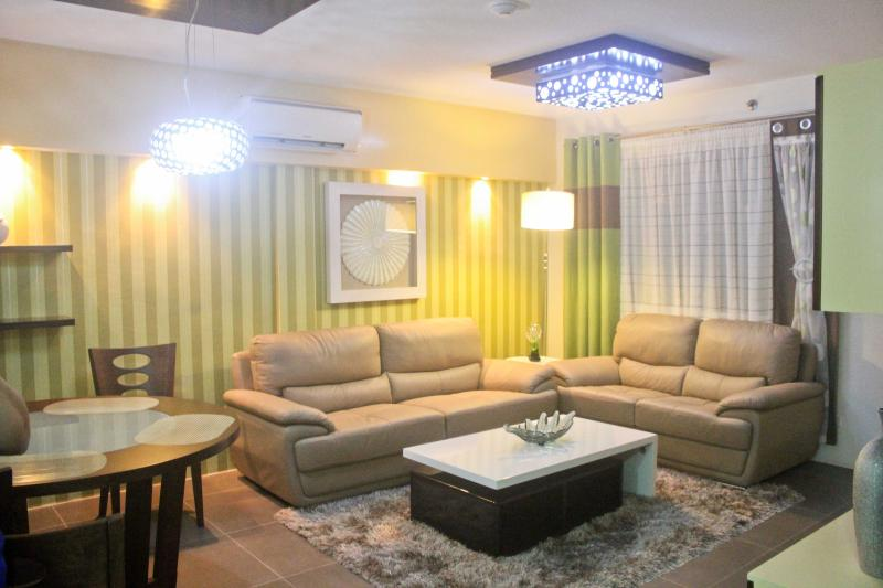 Living-room - Brandnew Luxury 2 BR  City-Condo seaside - Cebu City - rentals