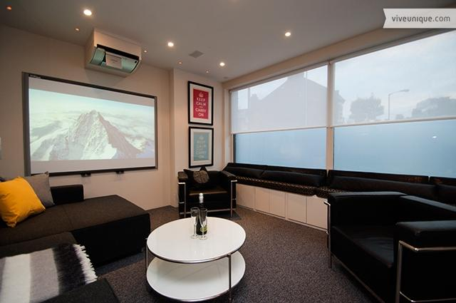 A Film Lovers Retreat on the River Thames! Sleeps 6 - Image 1 - London - rentals