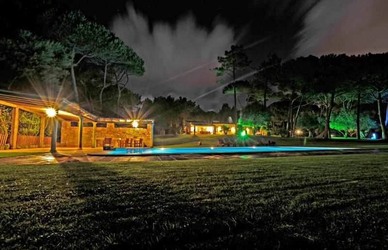 Casa e Jardim de noite - Villa com jardim de luxo - Azenhas do Mar - rentals