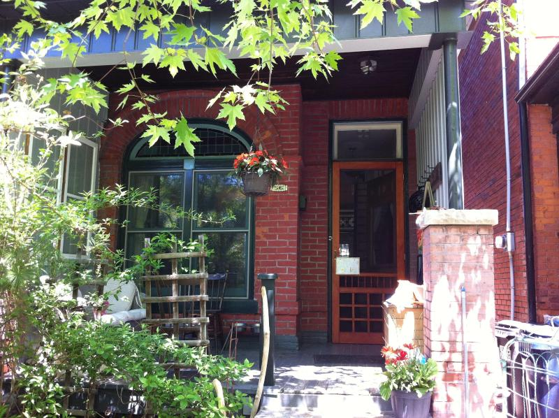 Front Porch - Charming Victorian Home - Toronto - rentals