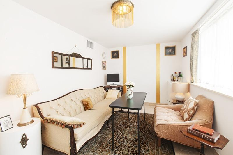 Living Area with Plush Seating and Folding Table - Luxury Williamsburg Flat With Private Entrance - Brooklyn - rentals