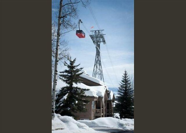 Rare location, true ski in/out location at Jackson Hole Mountian Resort - Image 1 - Teton Village - rentals