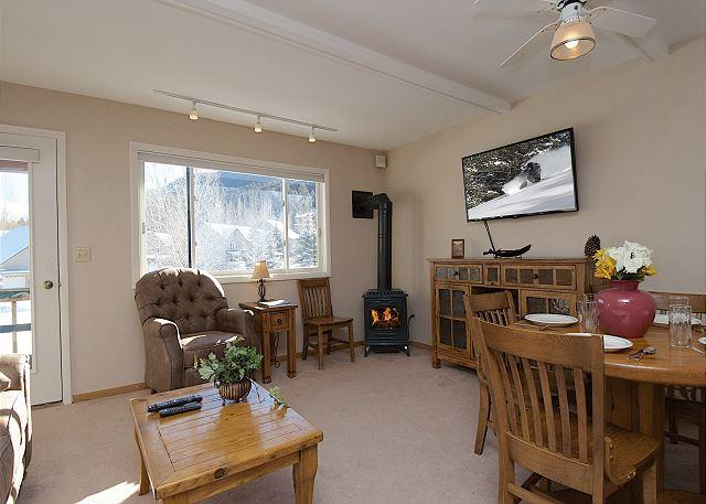 Great Room with Cozy Fire - Ski, Hike, Bike, View Wildlife, Shop/Dine from Comfortable 3Bed2Bath Townhome - Jackson - rentals