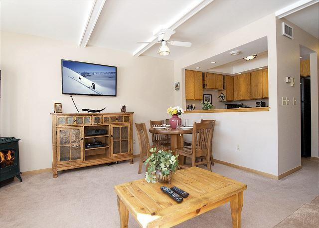 Ski, Hike, Bike, View Wildlife, Shop/Dine from Comfortable 3Bed2Bath Townhome - Image 1 - Jackson - rentals