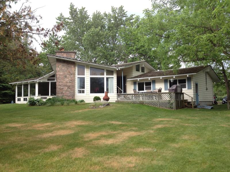 Fenelon Falls Waterfront Cottage - Kawartha Lakes Cottage Rentals Fenelon Falls - Fenelon Falls - rentals