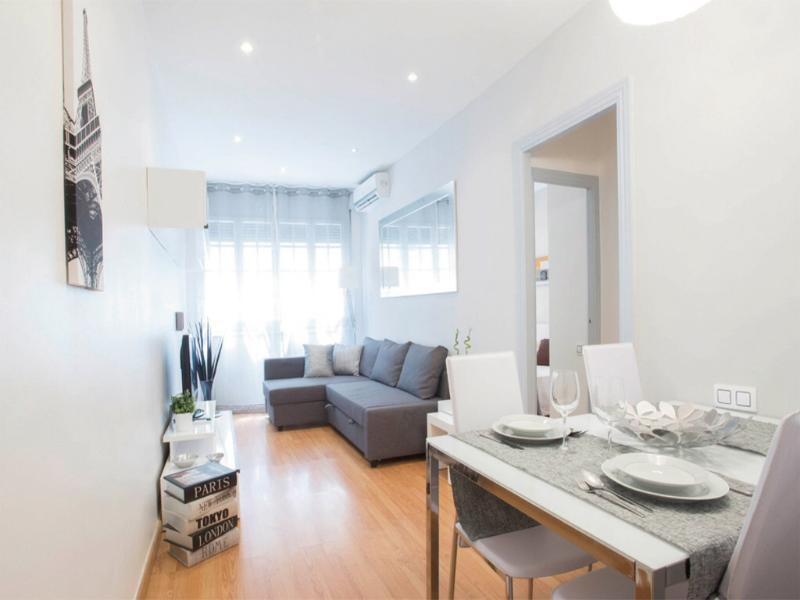 Modern & Cozy Apartment in Gracia. - Image 1 - Barcelona - rentals