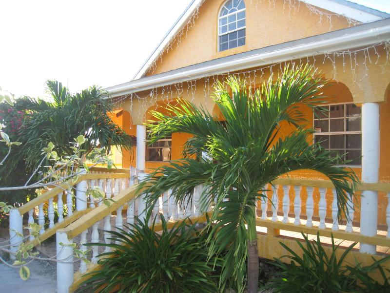 Island Cottage - Image 1 - Providenciales - rentals