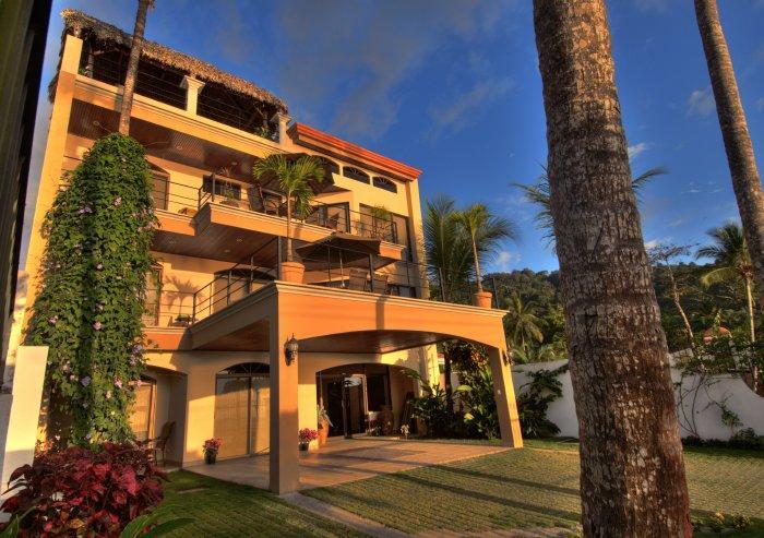 Beachfront Family Vacation Rental W/Pool & AC JA1 - Image 1 - Jaco - rentals