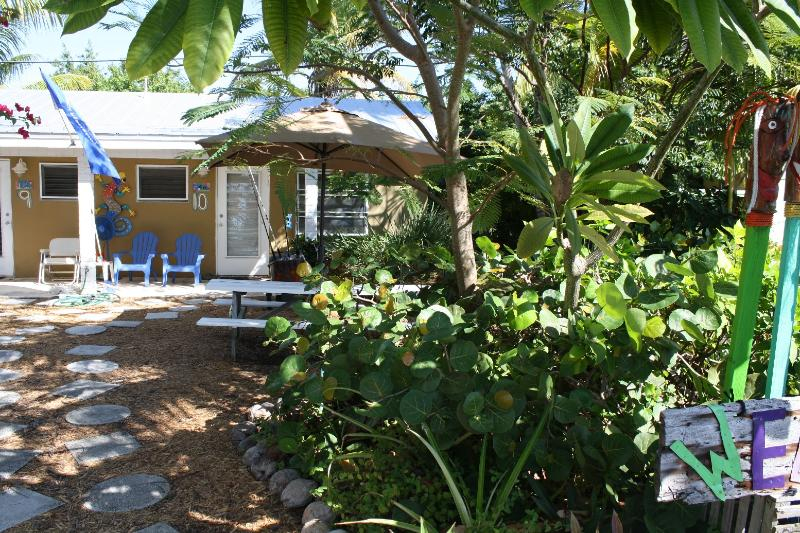 Unit 10 - Studio located 50 yards from ocean, Unit 10 - Grassy Key - rentals